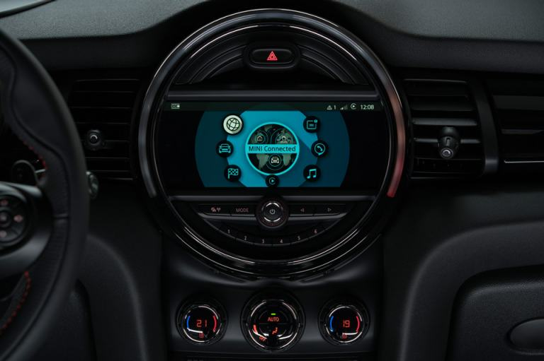 MINI Connected XL.